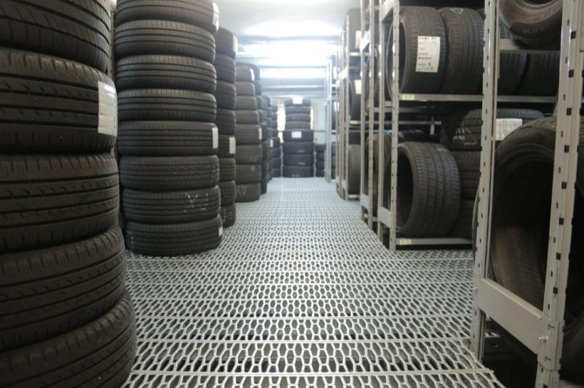 Bezpečne na cestách vďaka kvalitným letným pneumatikám